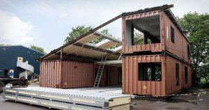 Они взяли три контейнера и построили из них дом, интерьер которого приводит в восторг