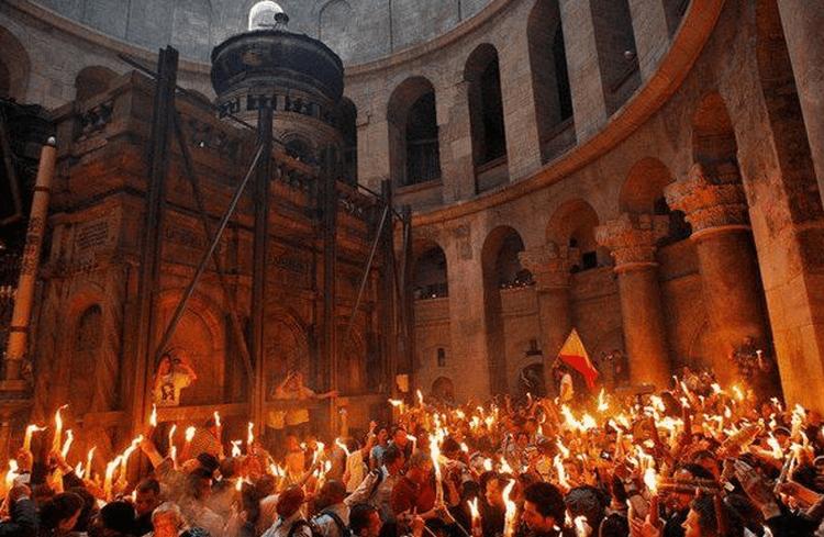 Ученые попали к Гробу Господню и чуть не поседели