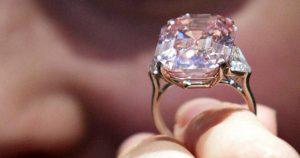 Женщина купила старое кольцо всего за 13 долларов, и только спустя 30 лет выяснилась правда о нем…