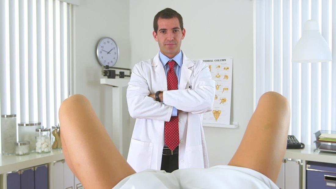 muzhchina-ginekolog-osmotr-video