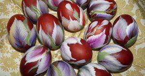 Как необычно покрасить яйца к Пасхе? Оригинальные идеи!