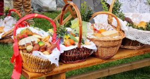 Готовимся к Пасхе: Что можно, а что Категорически нельзя класть в праздничную корзину