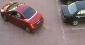 Девушка на парковке утерла нос наглому мужчине и отомстила за всех девушек!