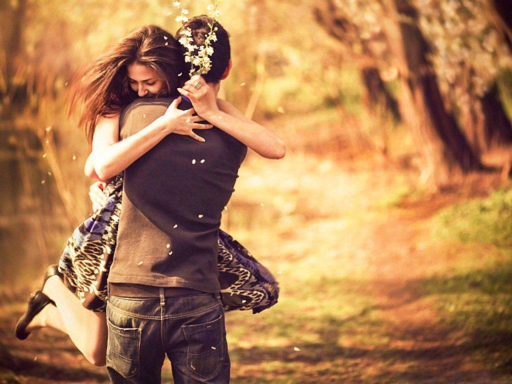 Всегда выбирайте мужчину, который любит вас до безумия.