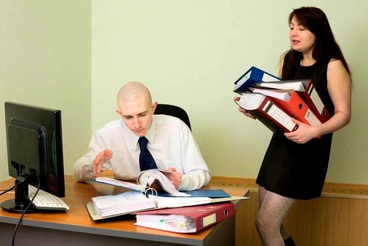 О том как налоговая решила выписать штраф, но не смогла этого сделать! Наш шеф взял нового главного бухгалтера. Девушка Оля, 23 года…
