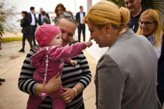 Невзрачная девчушка в детстве — сегодня одна из самых влиятельных женщин мира