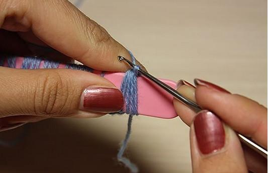 Брумстик — оригинальная техника вязания, пришедшая из Перу. Красивые изделия при помощи палочки для мороженого