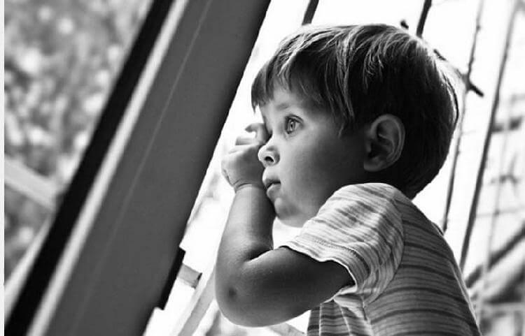 Девушке предложили выбрать ребенка на усыновление. Ее ответ ошарашил заведующую детдома