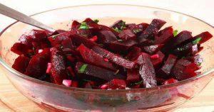 Пять рецептов салатов из свеклы для укрепления и чистки сосудов