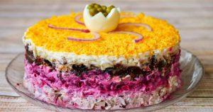 Праздничный салат «Граф»: серьезный конкурент «Селедке под шубой»