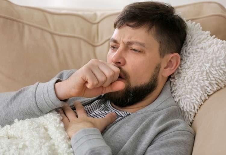 Иммунолог: «Лечить простуду и бронхит нужно молоком. Парочка ингредиентов — и лекарство готово!»