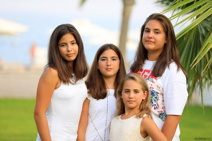 Жена главы Владикавказа, мать 1O-х детей, открыла секрет своей молодости и красоты