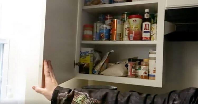 Мама троих детей была поймана на краже еды