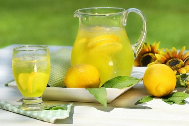 Вам говорили, что пить теплую воду с лимоном — это хорошо, но вам никто не говорил этого!