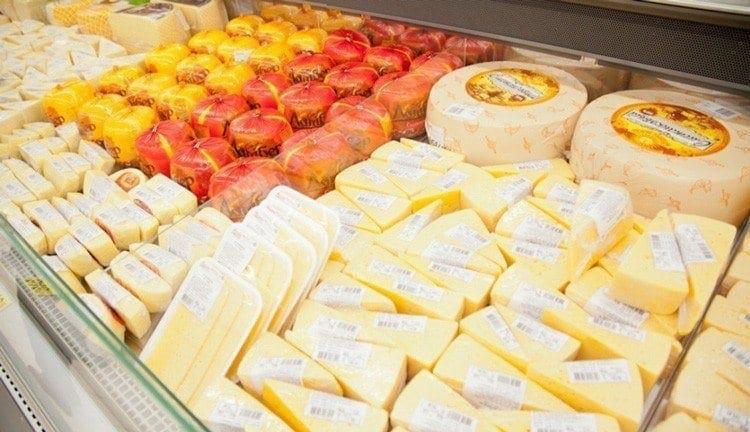Ни в коем случае не покупайте сыр, если увидите такую надпись на упаковке!