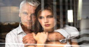 35 лет счастливого брака мужчина променял на молодую красотку. И вот что получилось