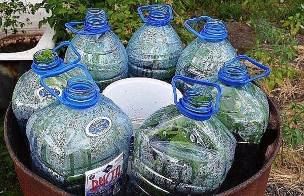 Новый способ — огурцы в бутылках, удобно и очень экономно!