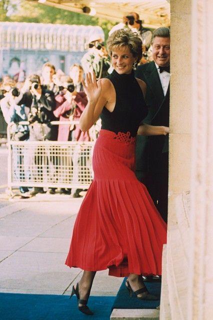 Подборка фотографий неповторимой принцессы Дианы, которые докажут, что у нее идеальный стиль!
