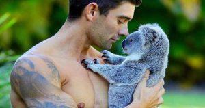 Австралийские пожарные снялись с животными для календаря на 2019 год