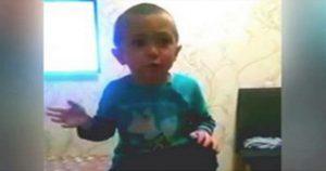 Четырехлетний малыш учит маму, как нужно с ним говорить. Это нечто!