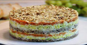 Очень простой, но вкусный слоеный салат «Полтавский»