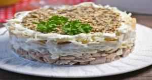 Салат «Анютка» для любого праздника: вкусно и быстро