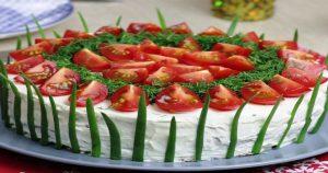 Оригинальная закуска с мягким сыром и помидорами к новогоднему столу