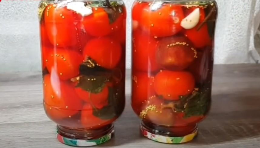 50 банок улетают за зиму! Вкусные помидоры в загадочном маринаде