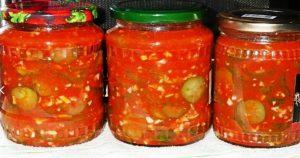 Огурцы с чесноком в томатной заливке на зиму