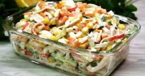 Свеженький салат «Золотая осень». Гости обожают за простоту и вкус!