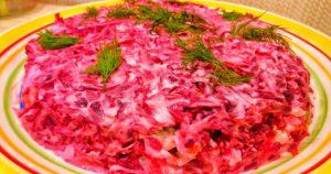 Оригинальный салат с печенью и свеклой